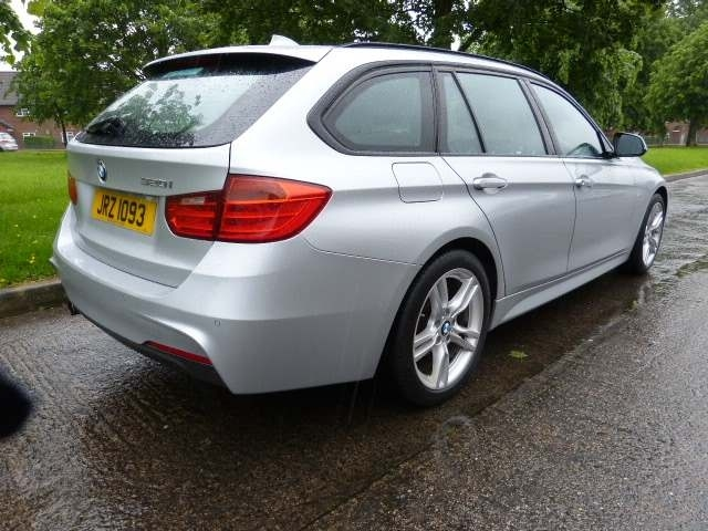 2015 BMW 3 Series 2.0 320i M Sport Touring (s/s) Petrol Manual LOW MILAGE, FULLY LOADED – Beechlawn Motors Belfast full