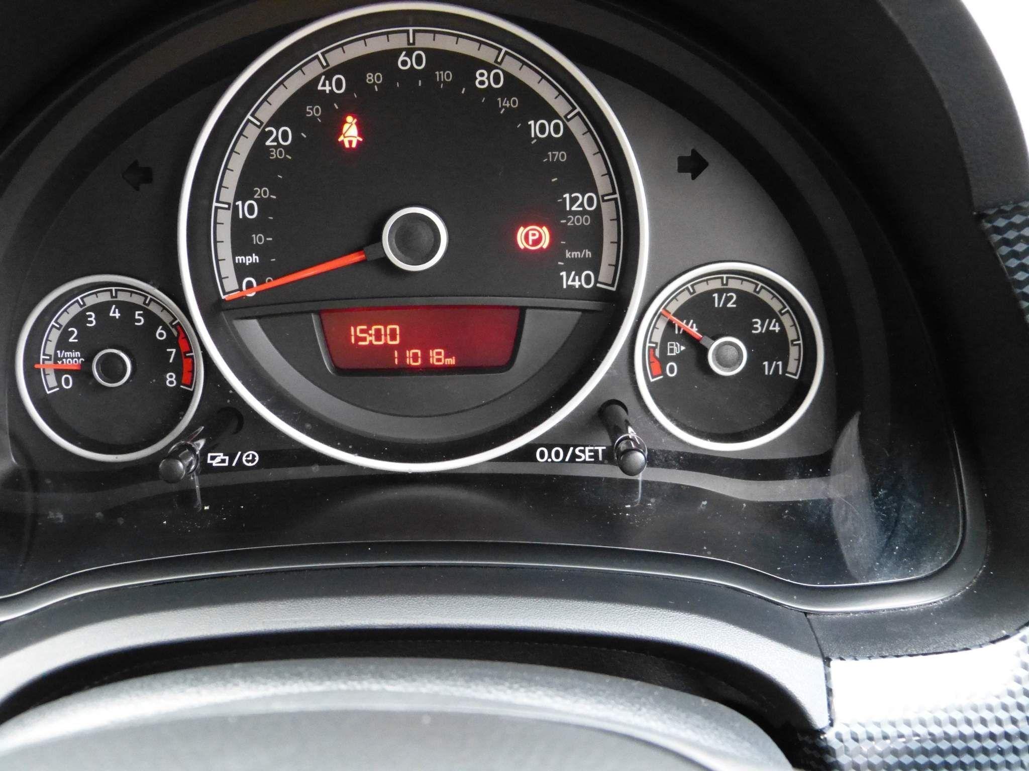 2018 VOLKSWAGEN up! 1.0 Move  (s/s) Petrol Manual only 11000 miles – Beechlawn Motors Belfast full