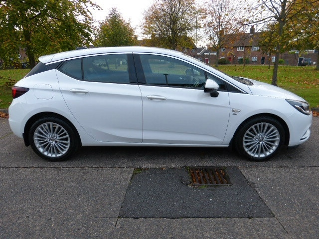 2016 VAUXHALL Astra 1.6 CDTi Elite (s/s) Diesel Manual low milage – Beechlawn Motors Belfast full