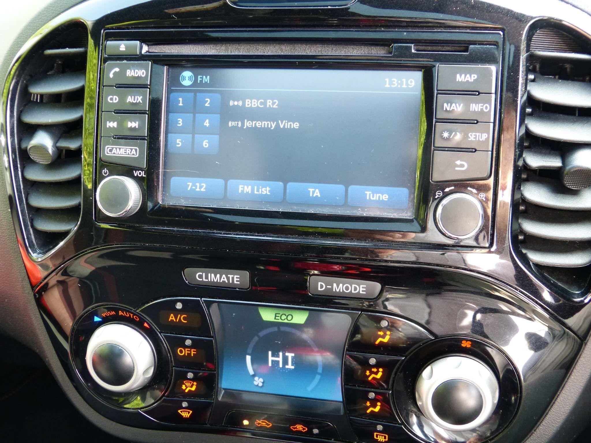 2014 NISSAN Juke 1.2 DIG-T Acenta Premium Manual 6Spd (s/s) Petrol Manual electric glass sunroof – Beechlawn Motors Belfast full