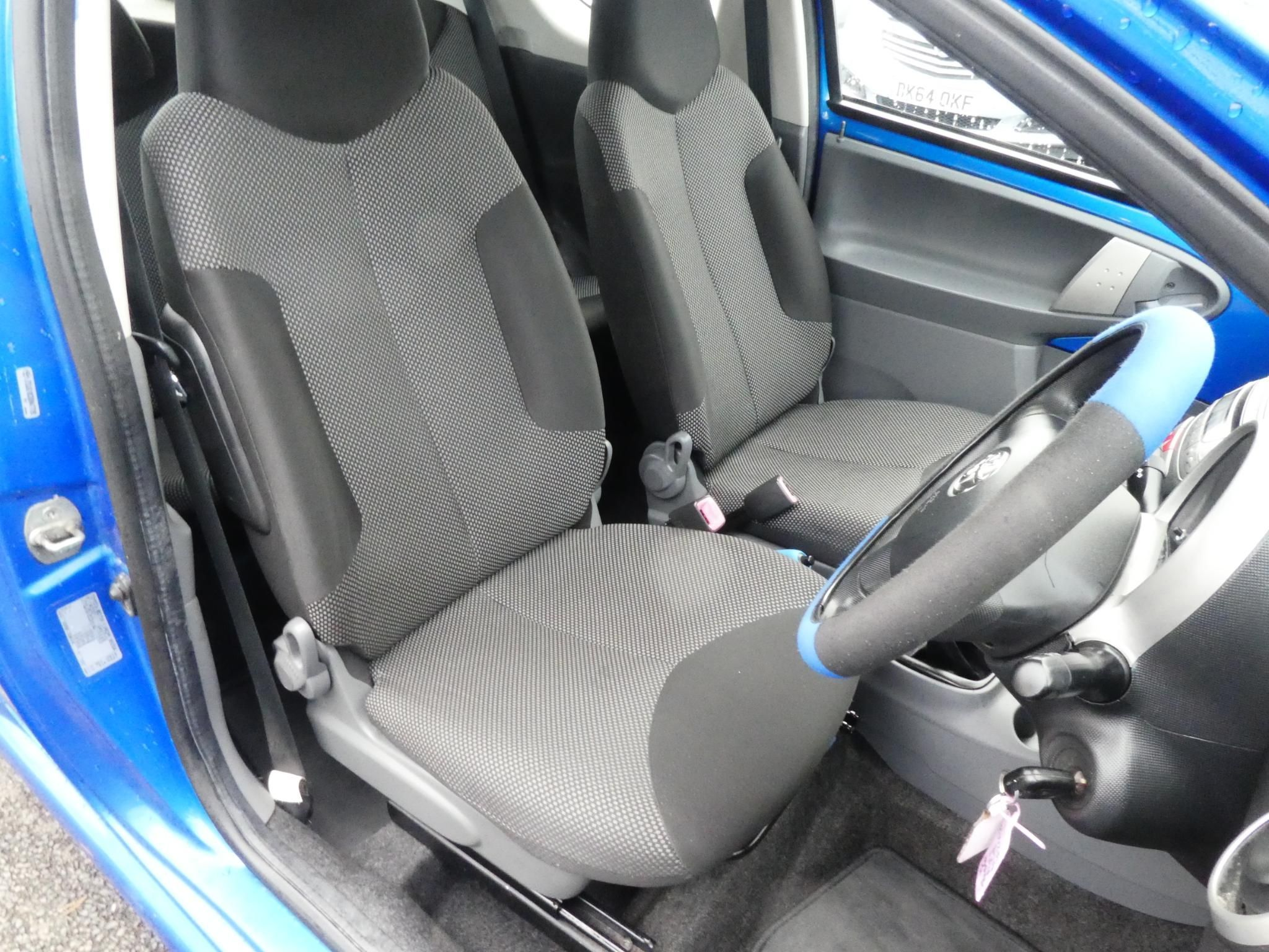 2010 TOYOTA AYGO 1.0 VVT-i Blue Blue Petrol Manual ONLY 31000 MILES – FC Motors 52 Carntall Rd, Newtownabbey BT36 5SD full