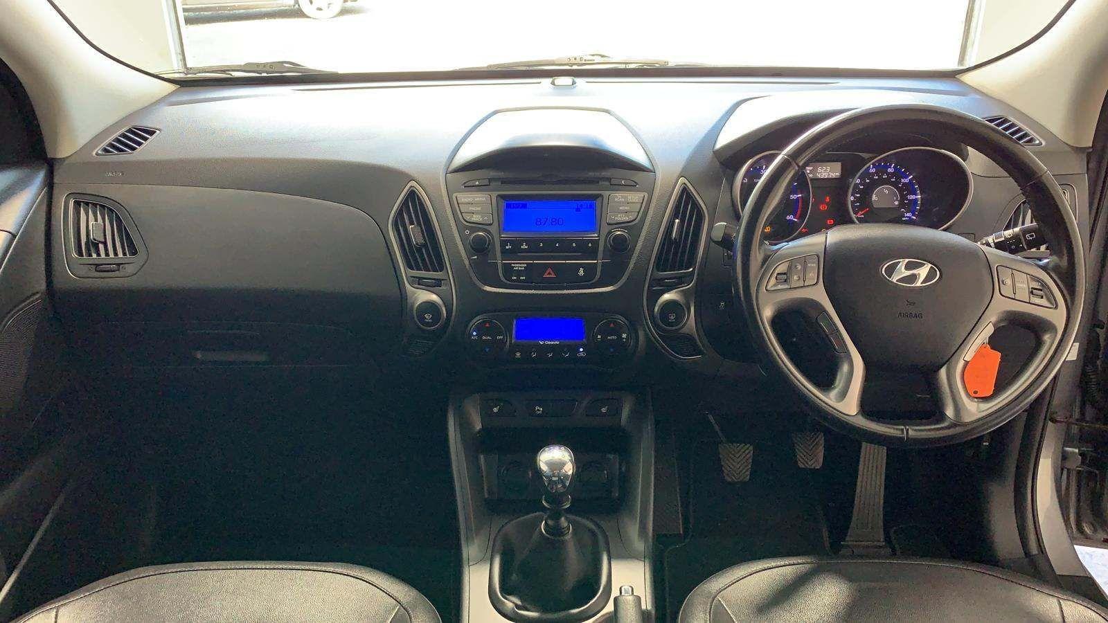 2014 HYUNDAI ix35 1.7 CRDi SE Diesel Manual *TOW BAR* – J R S Commercials And Cars Dungannon full