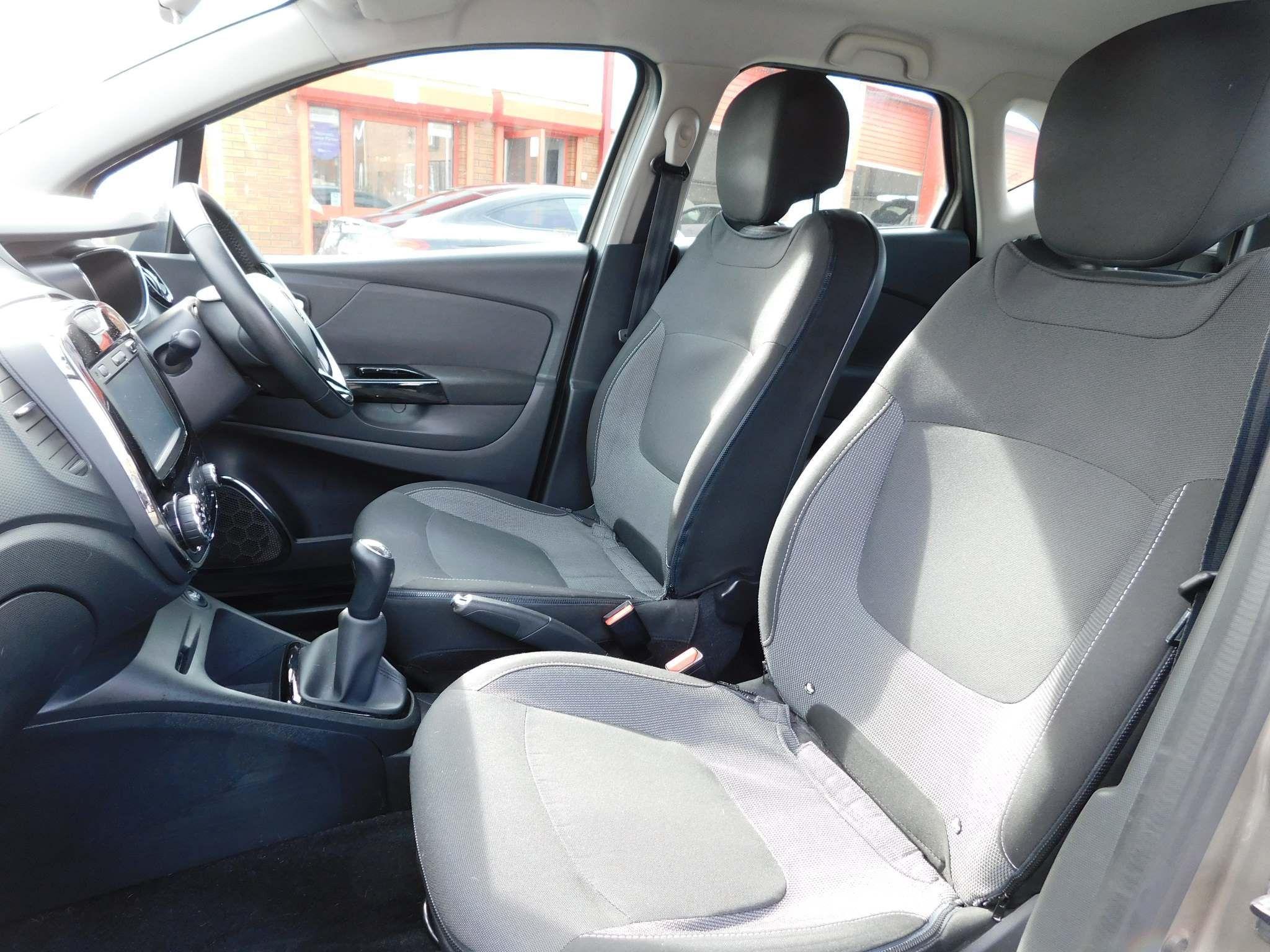 2014 RENAULT Captur 1.5 dCi ENERGY Dynamique MediaNav (s/s) Diesel Manual just in – Meadow Cars Carrickfergus full